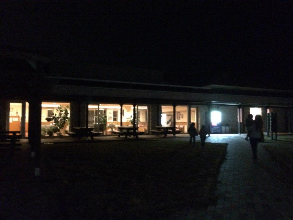 赤穂海浜公園オートキャンプ場 夜のセンターハウス